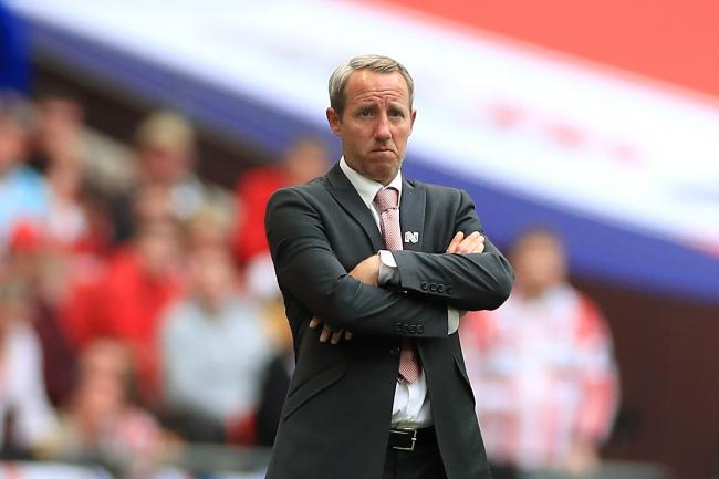 Lee Bowyer has agreed a new contract with Charlton