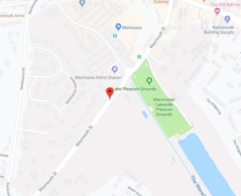 The woman's handbag and purse were stolen while she was sitting on grass in Weymouth Street, Warminster