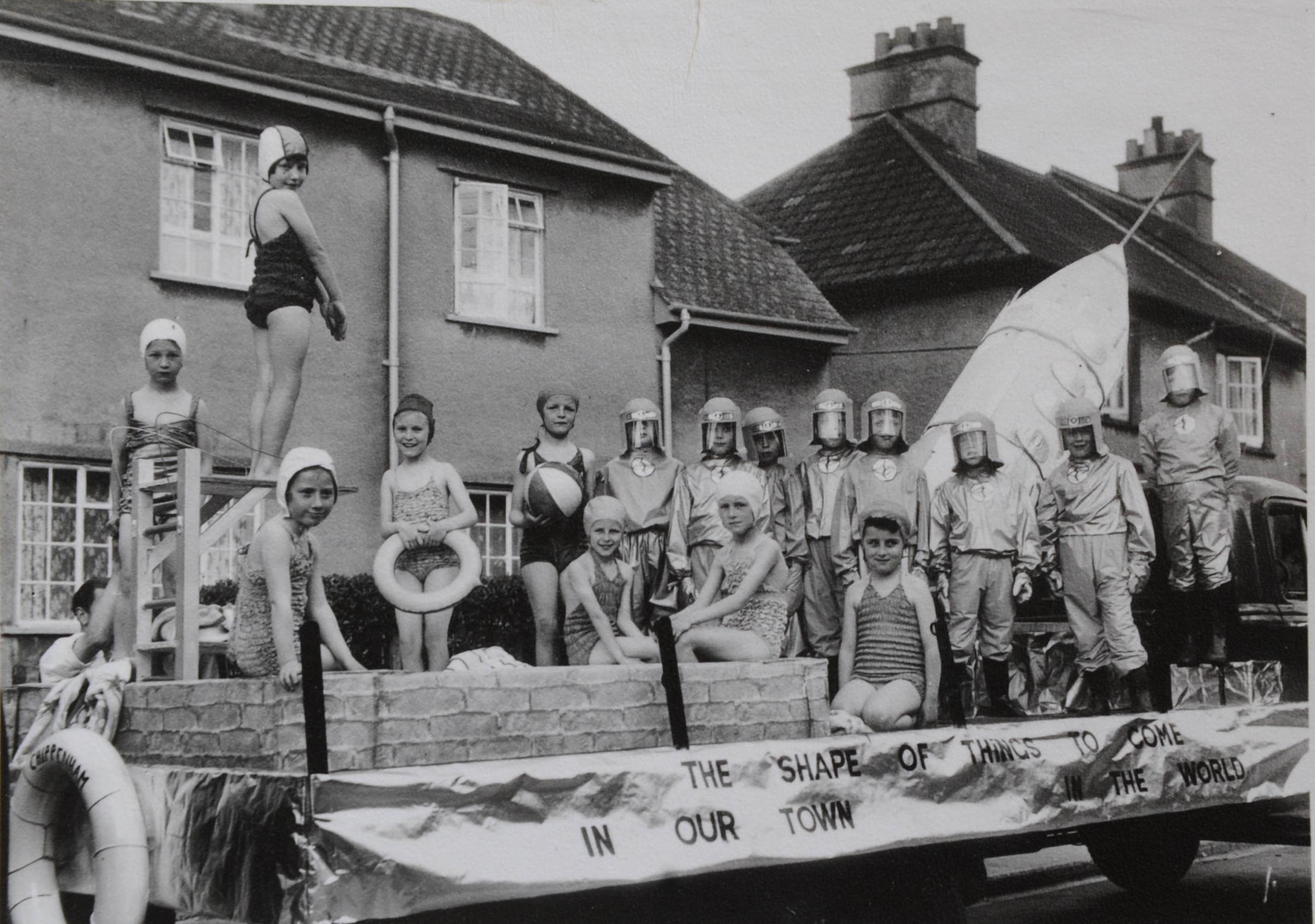 Aviation fan recalls memories of Chippenham 1954 carnival