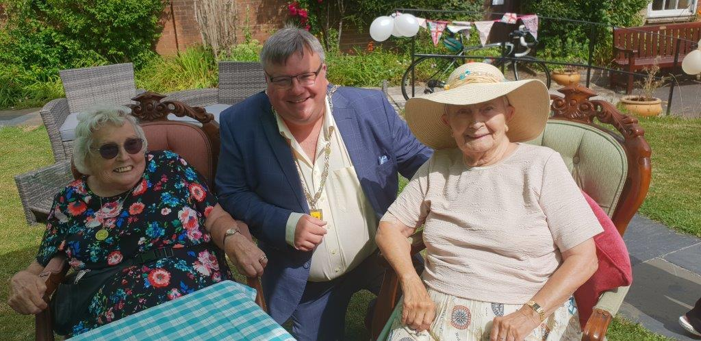 Warminster care home Wren House holds garden party