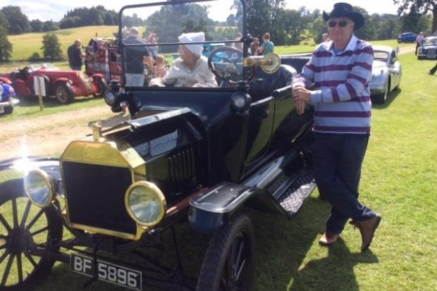 Bowood Classic Car and Motorcycle Show 16 - Trevor Sidaway with his 1915 Model T Ford