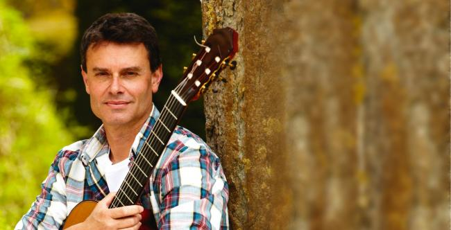 Classical guitarist Craig Ogden is to perform at Edington Priory Church in October