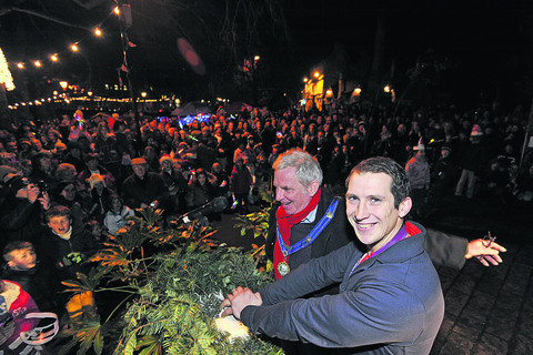 Olympic hero thrills crowds at Bradford on Avon lights switch-on