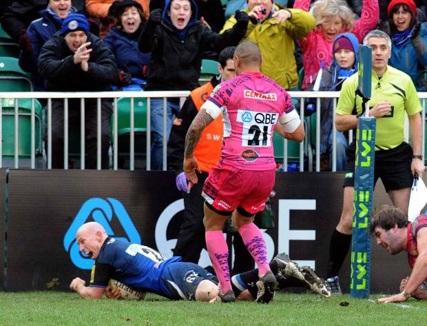 Peter Stringer celebrates his second try on Saturday (Photo: Bob Ascott)
