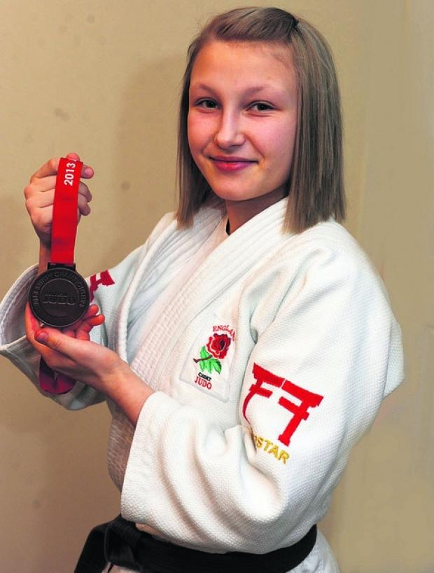Charlotte Emery with her British Championship bronze medal