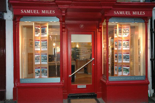 Wiltshire Times: Samual Miles estate agents Highworth