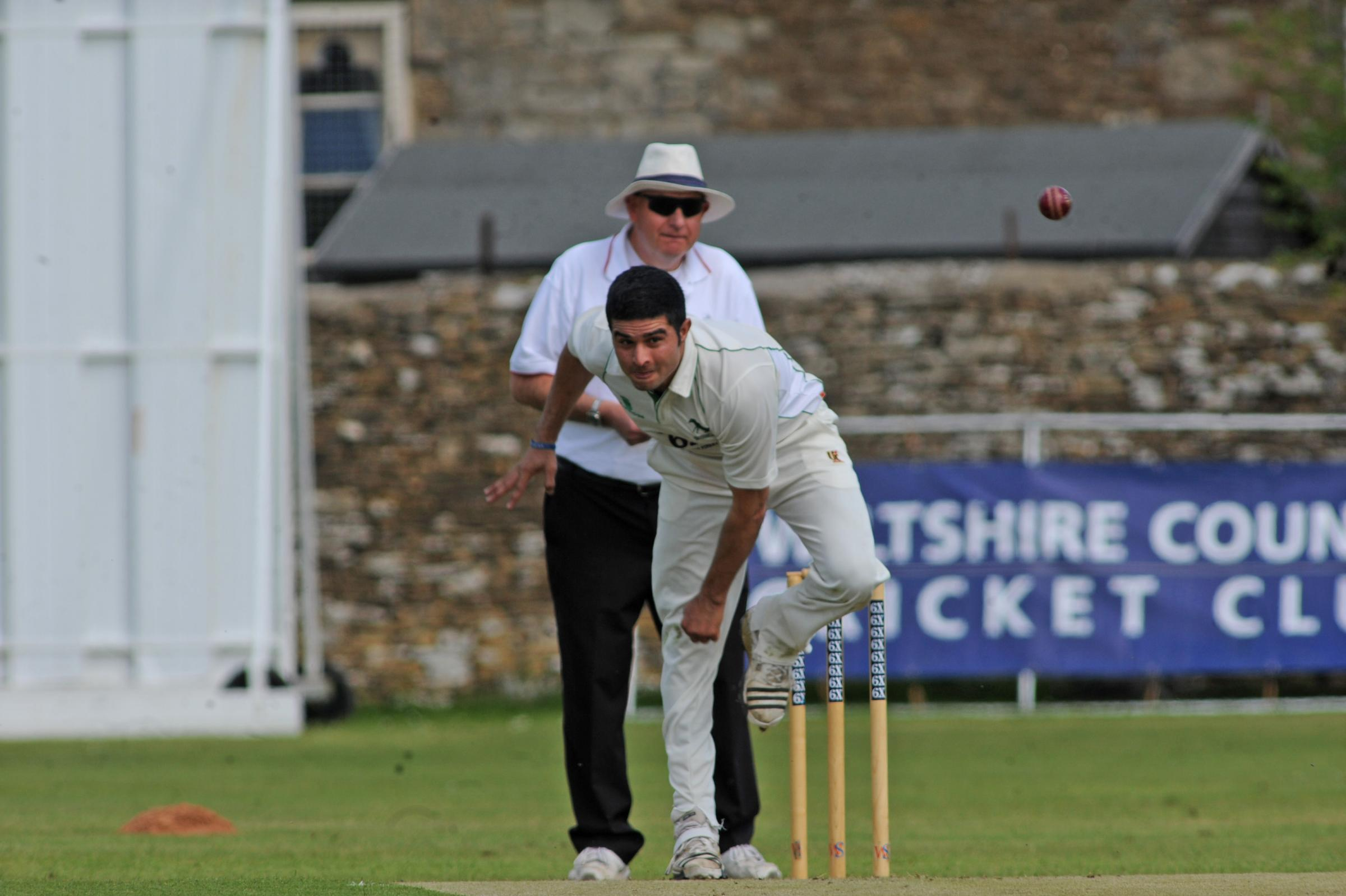 Tahir Afridi was among the wickets as Wiltshire dominated day one at Banbury