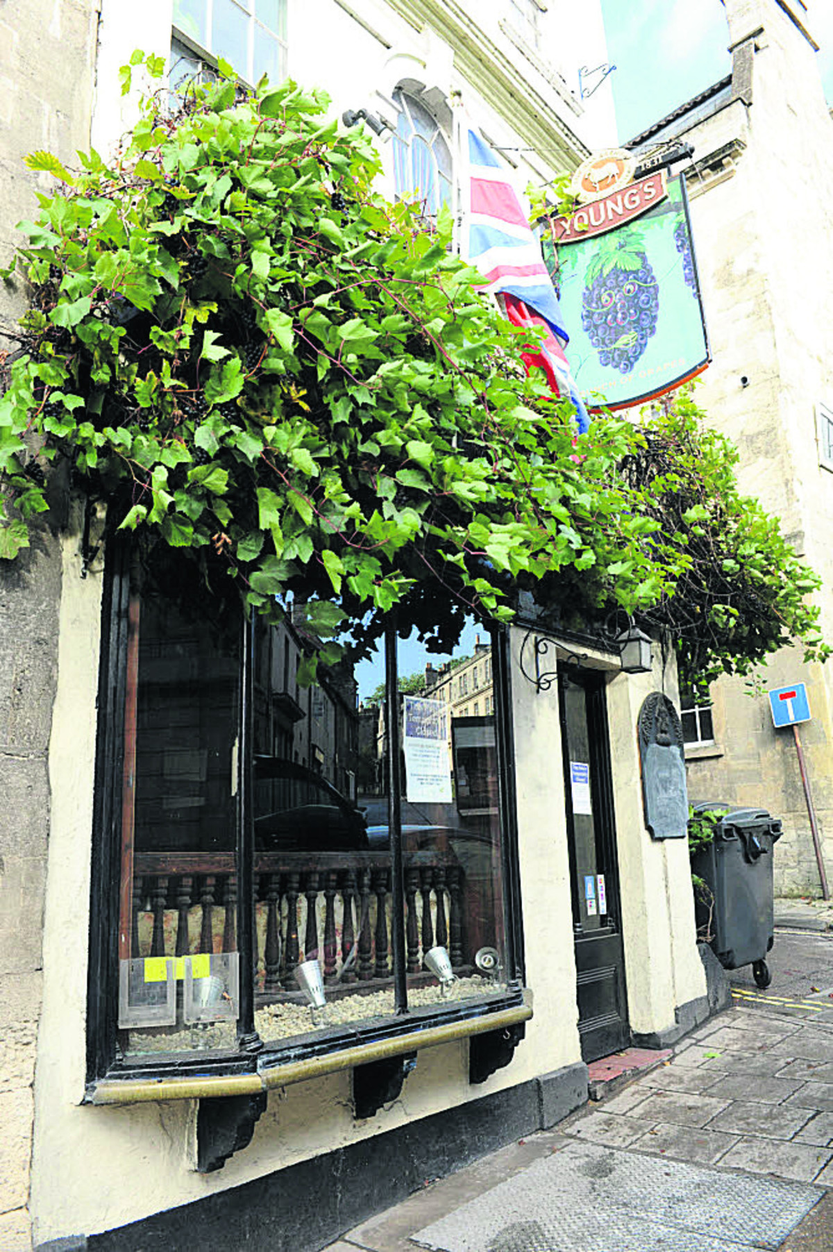 Young's has put the Bunch of Grapes in Bradford on Avon on the market again after a sale fell through