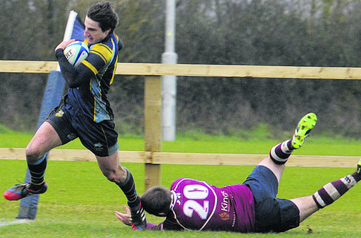 Wing James McFarlane scores Trowbridge's final try against Bletchley on Saturday (Photo: Trevor Porter)