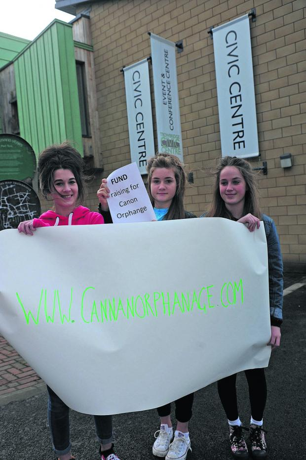Wiltshire Times: Katie Alford, Annie Robins and Abby Taylor.