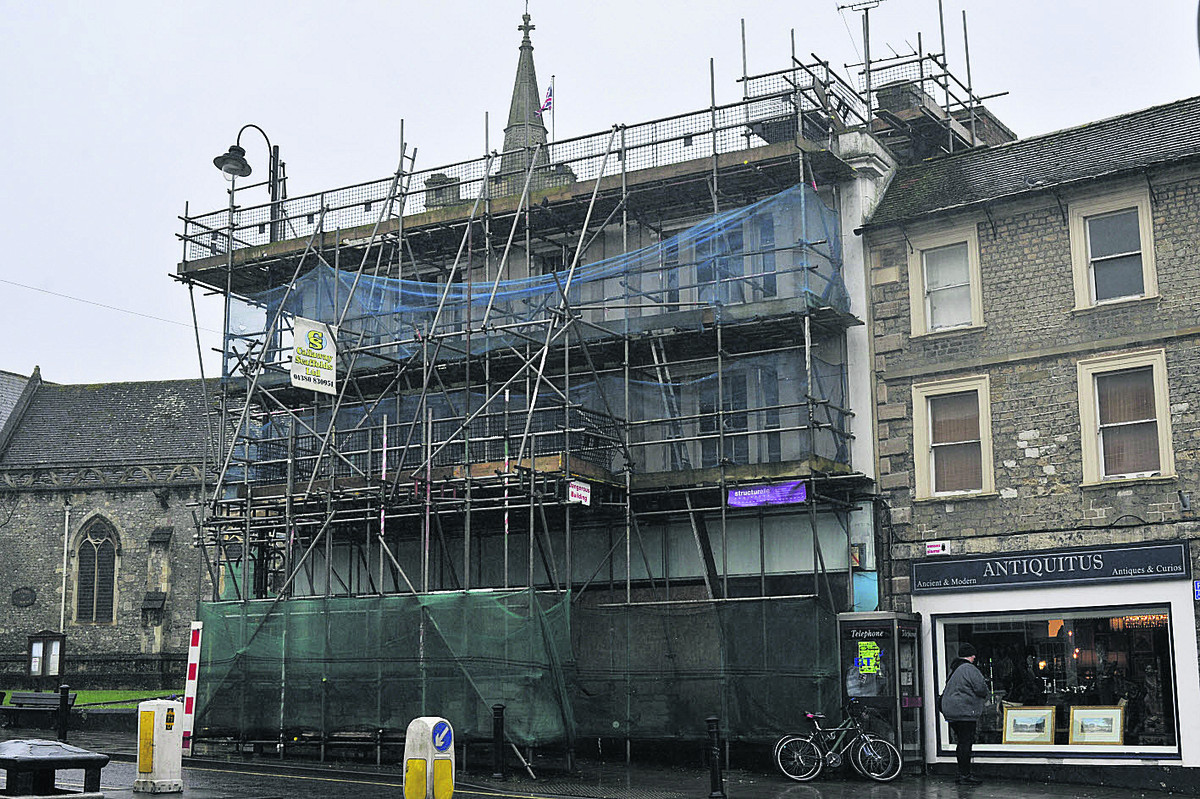 The scruffy looking scaffolding and security netting is to be dismantled next week, say the agents