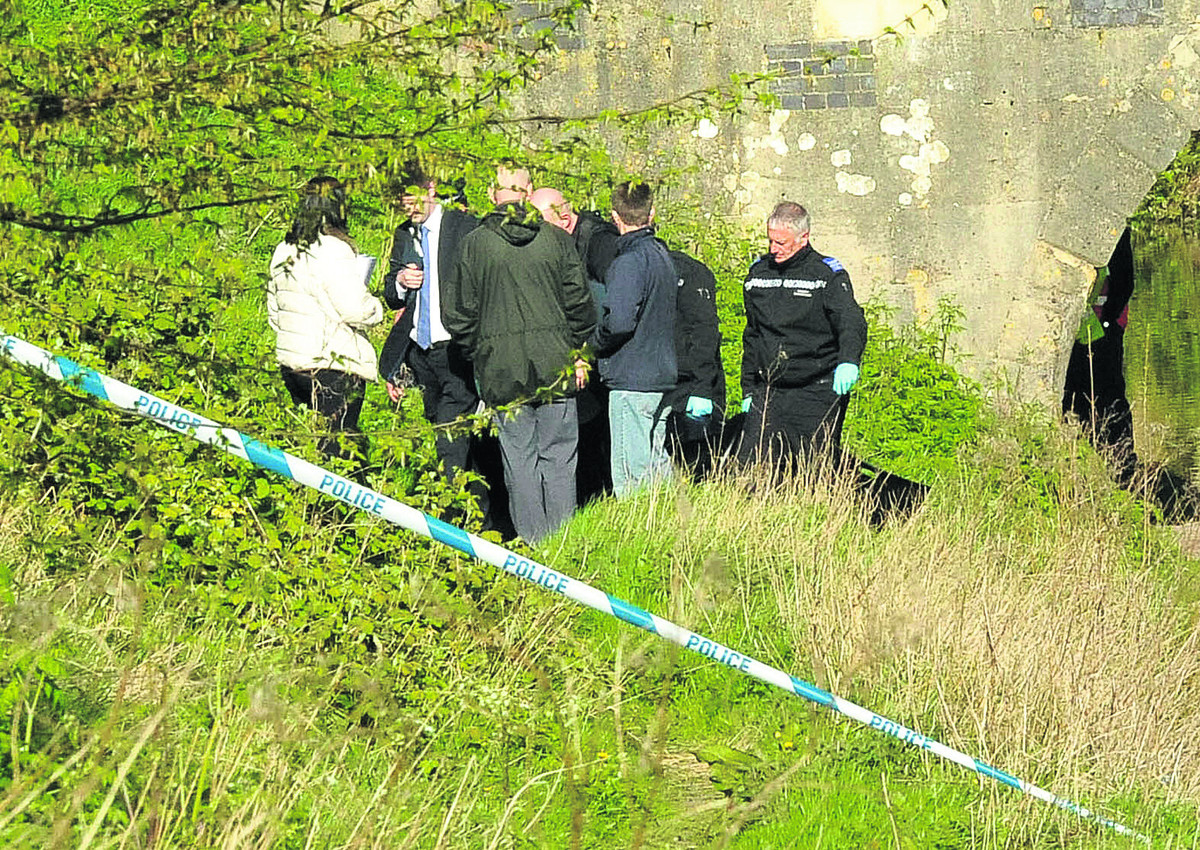 Police investigation launched after body found in Devizes canal