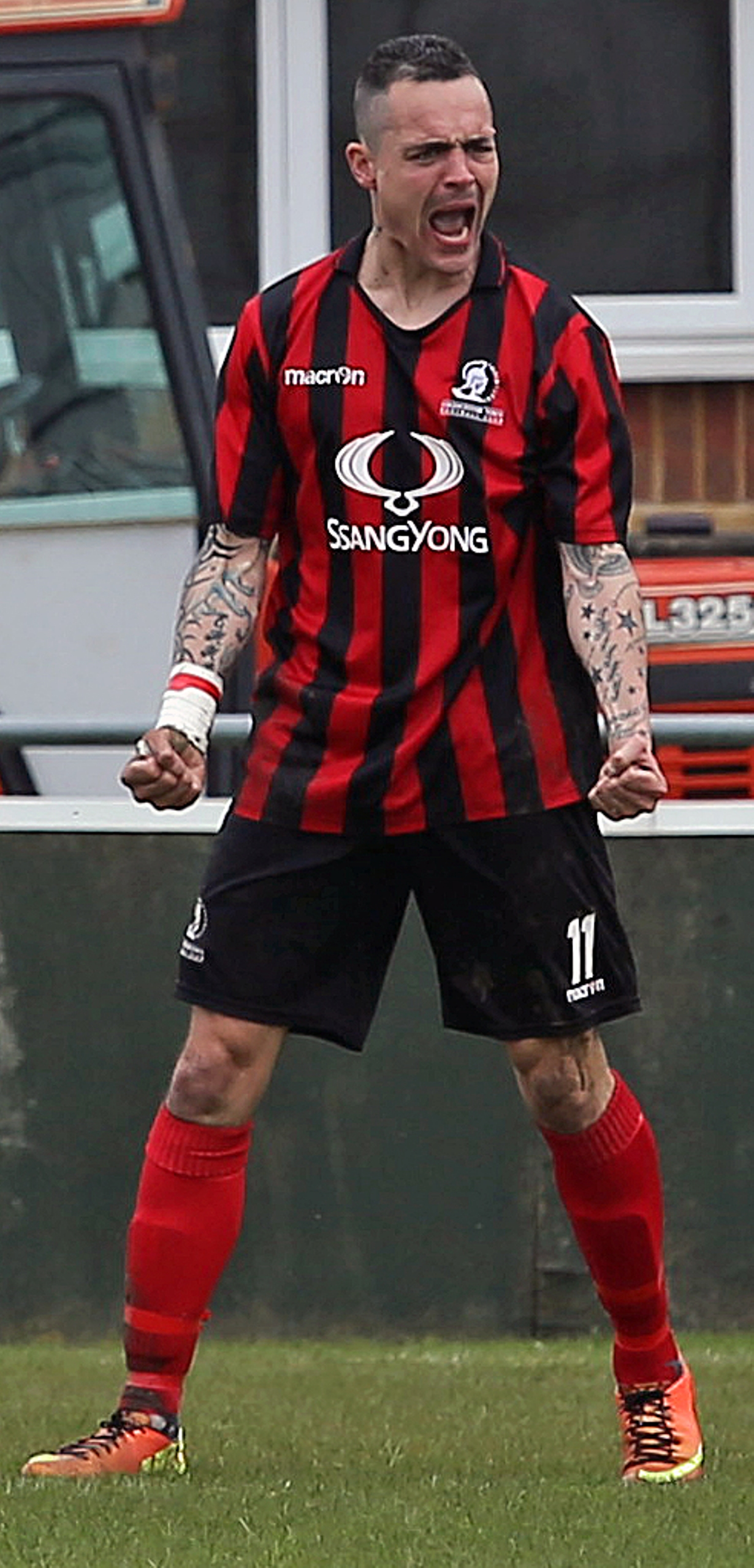 Cirencester Town striker Lee Smith had agreed to join the Bluebirds before signing for Hungerford