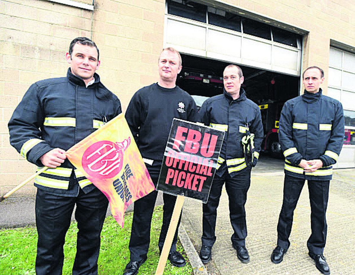 Wiltshire fire crews on duty as bank holiday weekend strikes end