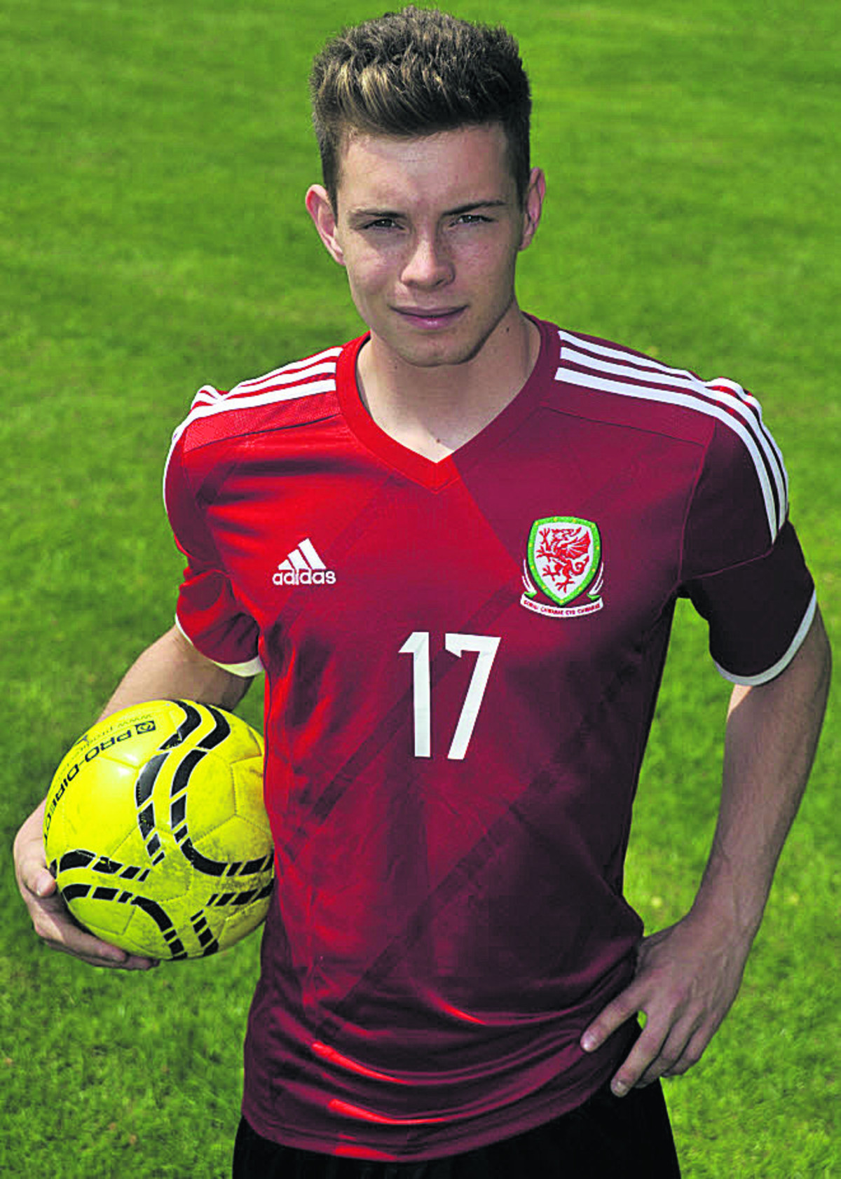 Alex Bray is hoping to help Wales into the U19 European Championship finals