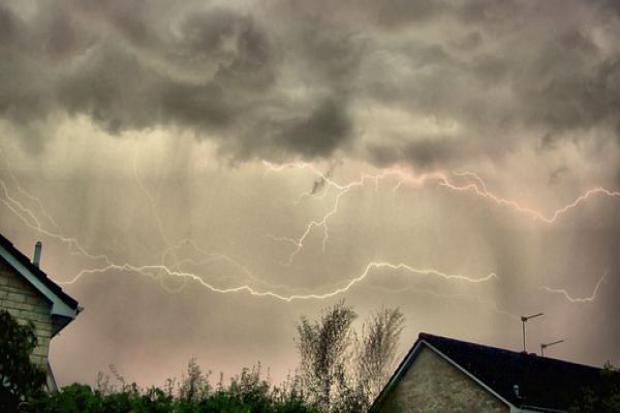 Lightning over Chippenham. Picture by Sandy Osborough