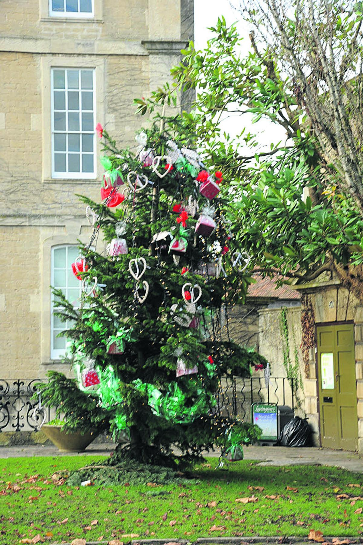 We Ll Decorate Next Year S Christmas Tree Say Bradford On Avon Lions Wiltshire Times