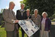 The new information board at Hammond Way is unveiled by Roger Newman, Trowbridge Mayor Roger Andrews, Deputy Mayor Linda Self, Mary Pearce and Shelia JonesPics Trevor Porter (51437 4)