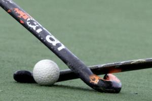 HOCKEY: West Wilts men hit top of the pile