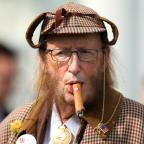 Wiltshire Times: You won't believe what John McCririck looked like after he went on 100% Hotter