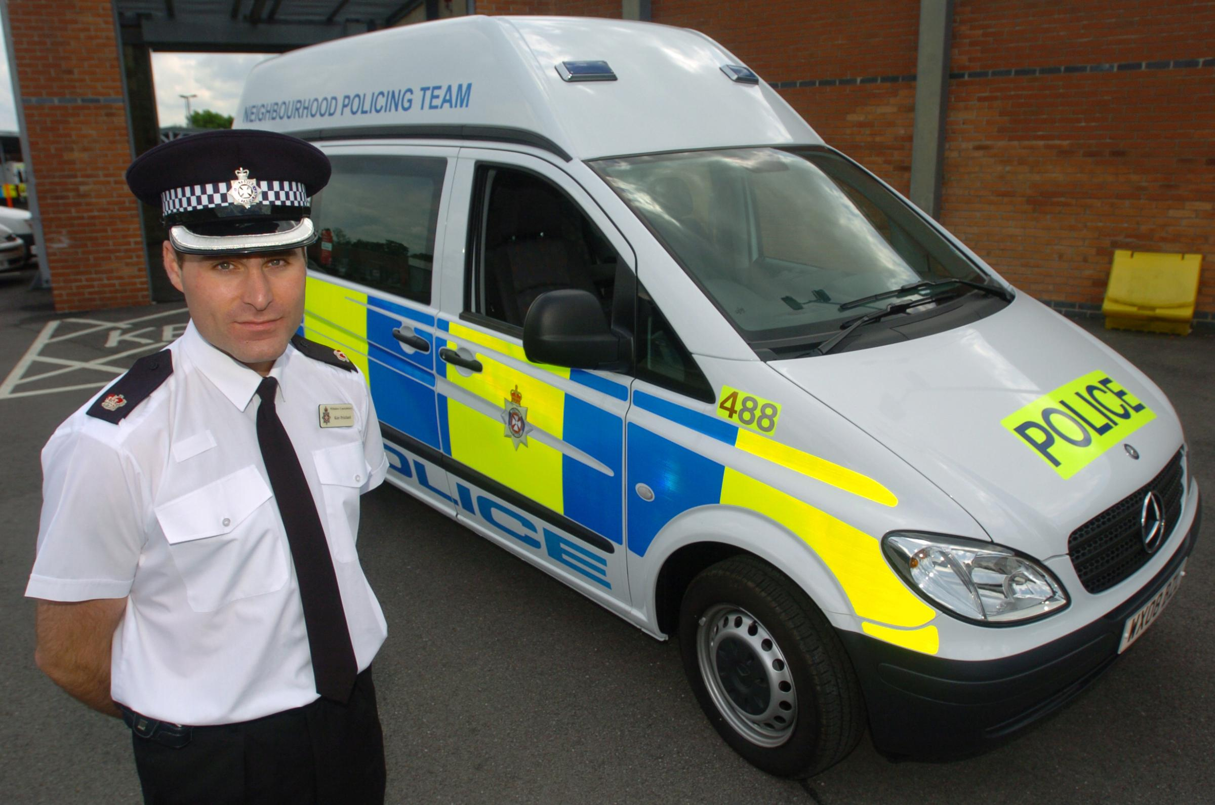 Unveiling of new police mobile unit @ Gablecross Police HQ..Superintendent Kier Pritchard by the mobile unit..Pic Alan Owens..6.6.08..Ref No:212294/2.
