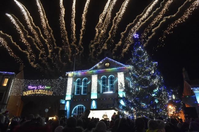 How Long Do Christmas Lights Last.Melksham Gears Up For Christmas Lights Switch On Wiltshire