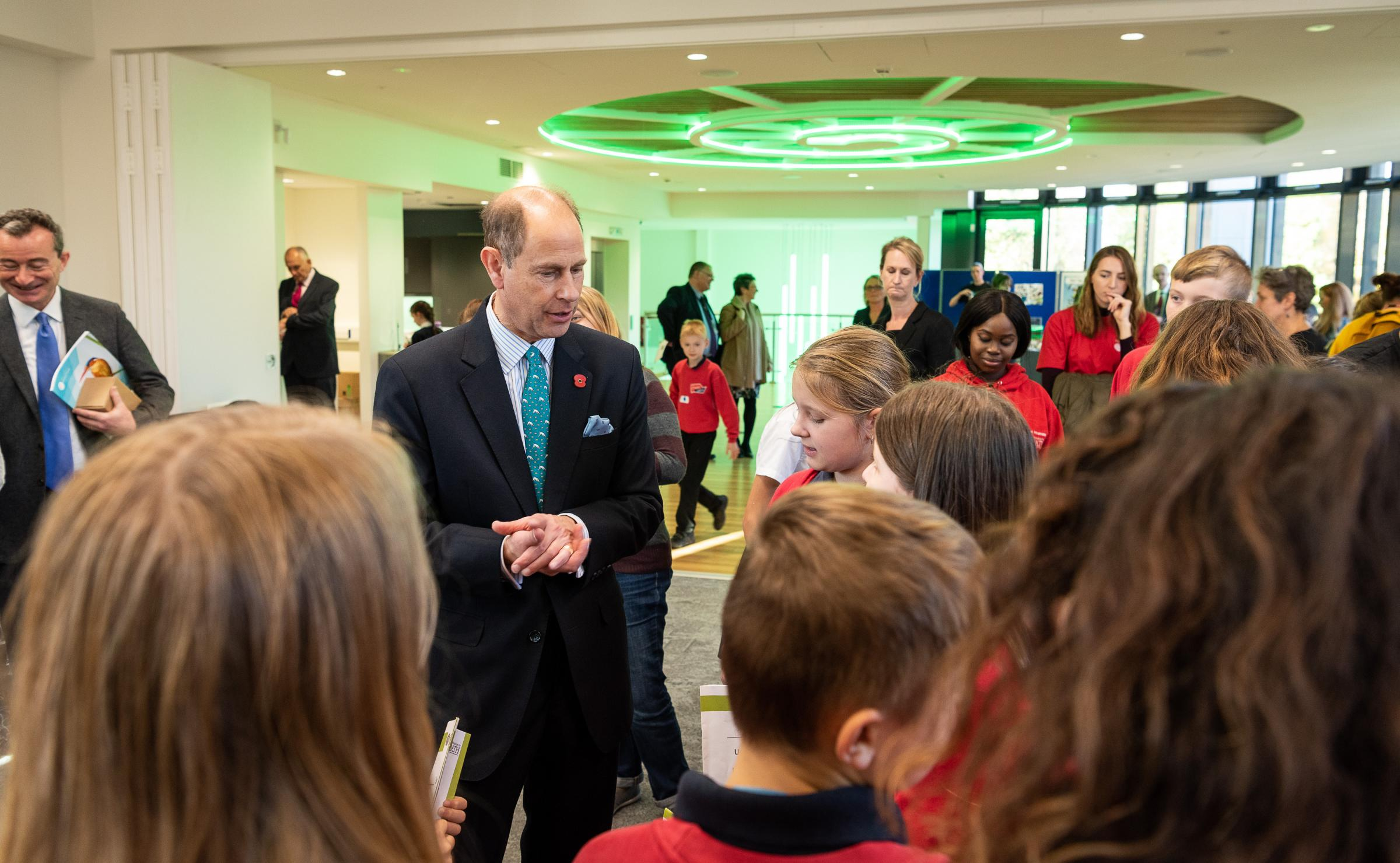 Oasis Academy pupils mee the Duke of Wessex at Bath University