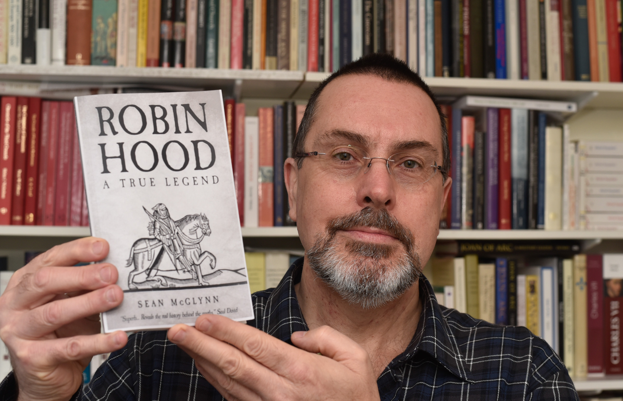 Author Sean McGlynn of Monkton Farleigh with his latest book, Robin Hood -A True Legend.Photo by www.gphillipsphotography.com GP1523.