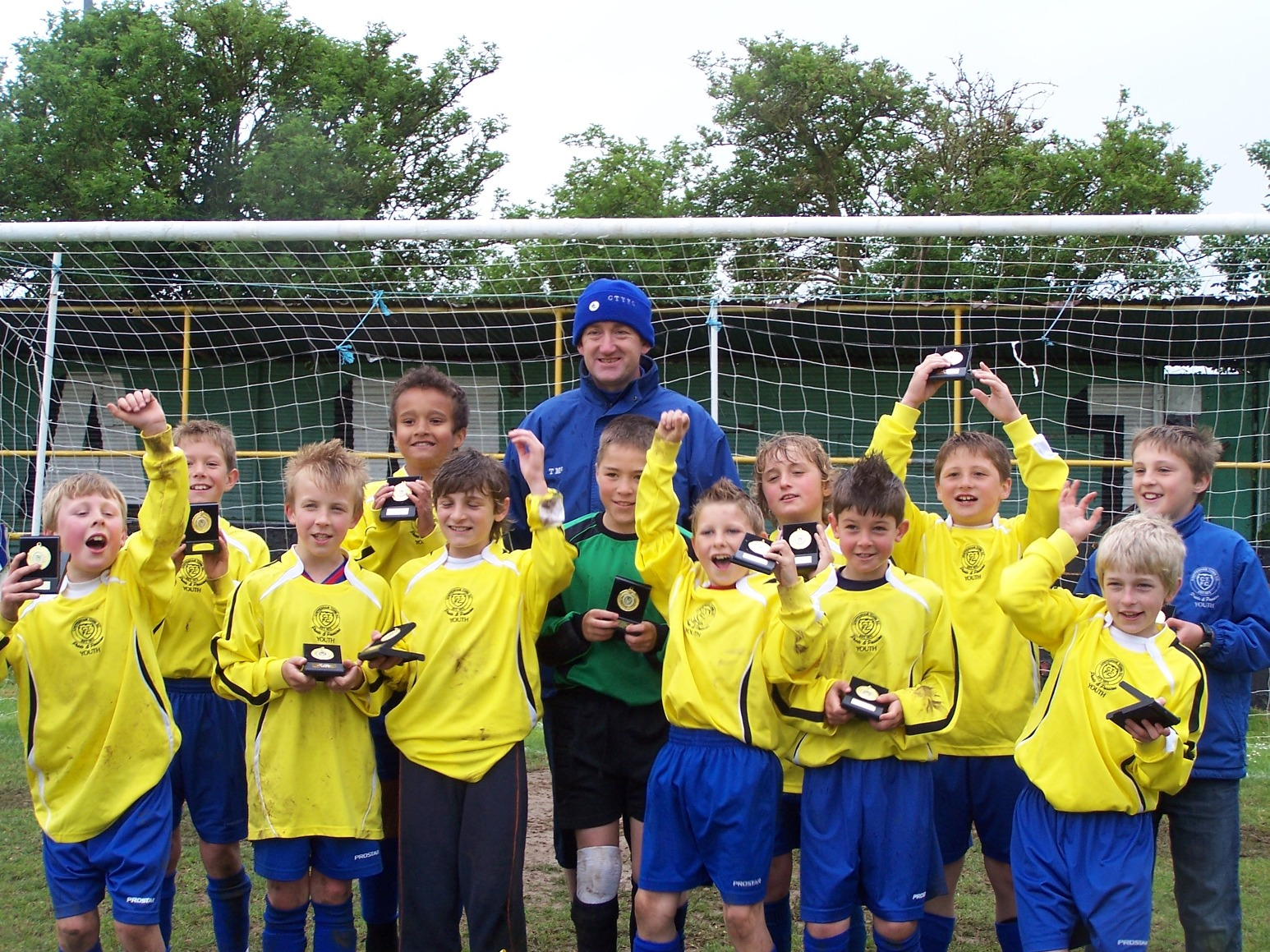 Chippenham Town U10 celebrate their cup final win