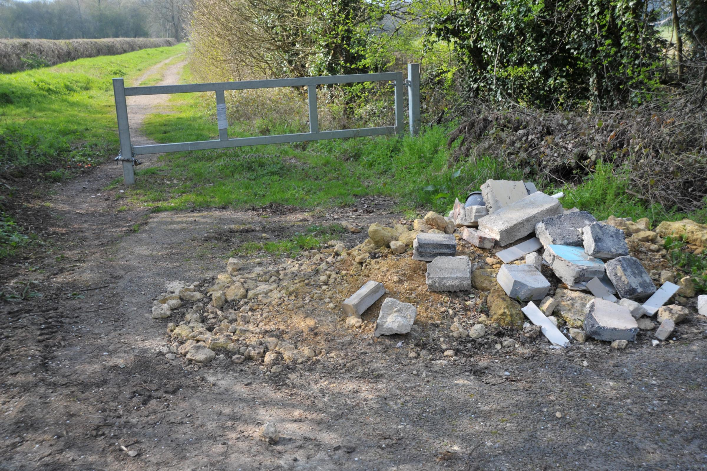 FlyTipping at South Marston..Pic - gv.Date 28/3/19.Pic by Dave Cox.